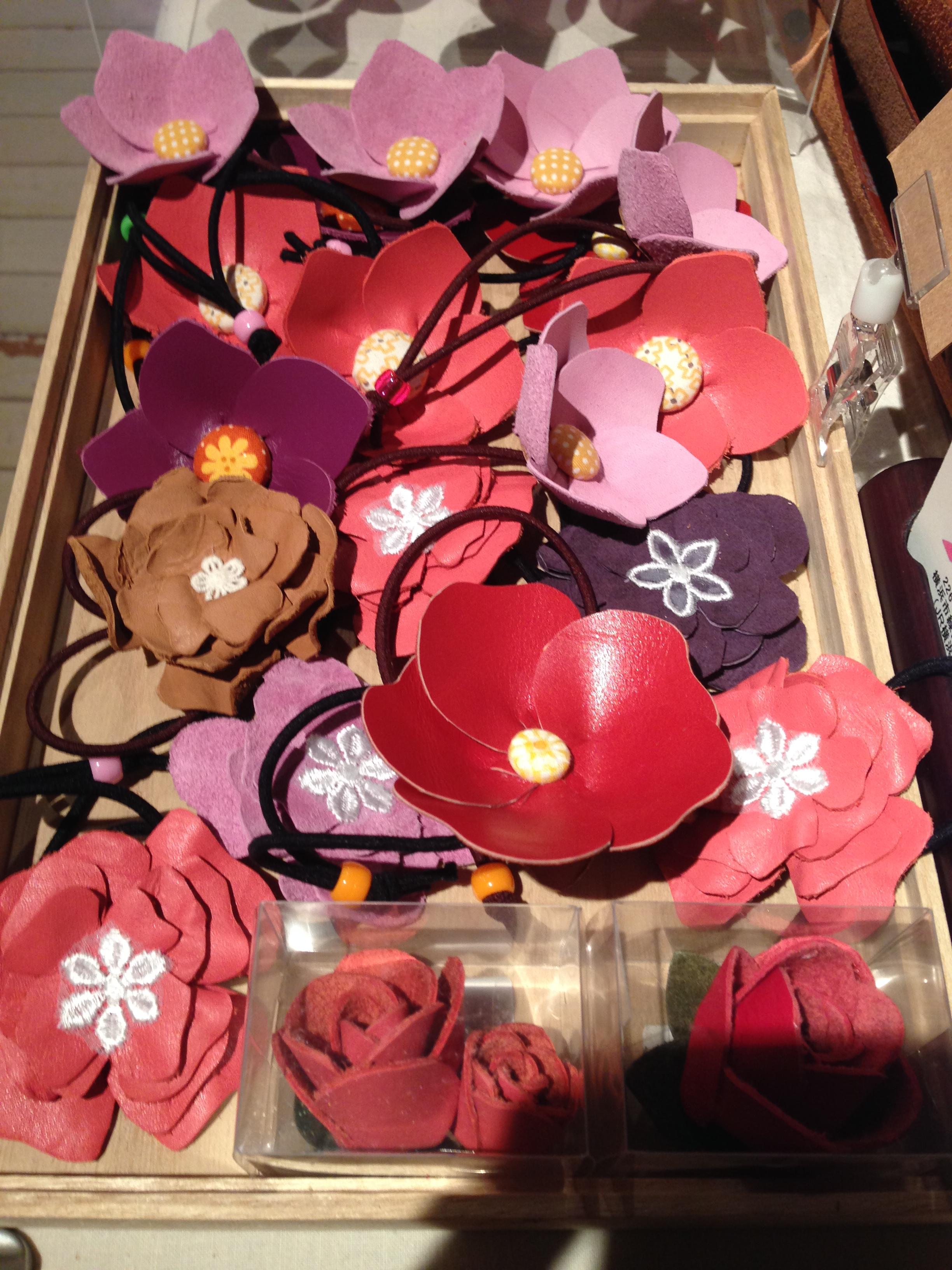 お花のゴム ¥500-
